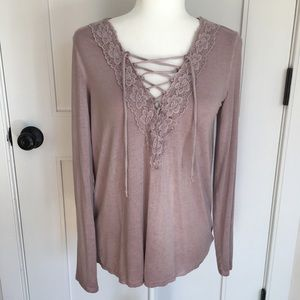AEO Soft & Sexy Embroidered V-neck lace up tee NWT